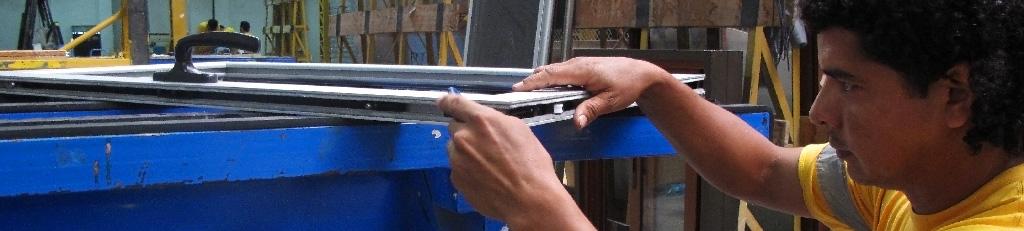 Proceso de Fabricación de Puertas y Ventanas | EUROVEN | ALCRISTAL C.A.